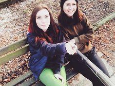 「 ❤️❤️❤️ #friends #selfie #selfiestick #bestfriends #love #yolo #party #girls #villagelife #kneznicerules #centrum #lsd #hobbit #jenemožnýžemášdneskamaturák 」