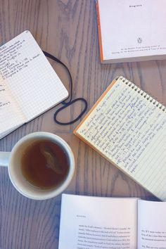 I love this girl's Tumblr study account. Her pictures inspire me to study and journal!