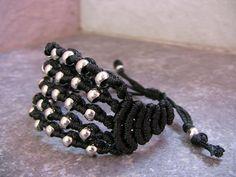 Bracciale nero macrame Total metal black bracelet di morenamacrame