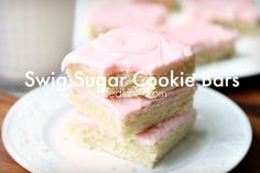 The BEST sugar cookie bars out there. Swig Sugar Cookie Bars Recipe by Real Life Dinner. So easy and Super DELICIOUS. The texture and flavor are perfection! Swig Sugar Cookies, Sugar Cookie Bars, Sugar Pie, Köstliche Desserts, Delicious Desserts, Dessert Recipes, Cake Bars, Brownie Cookies, Halloween Desserts