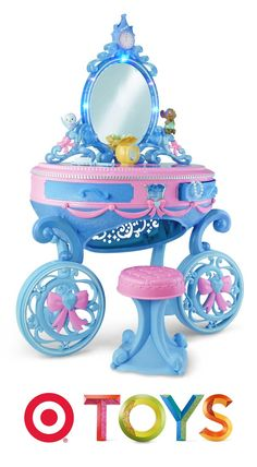 Your little princess will love sitting in front of the Disney Cinderella Enchanted Carriage Vanity.