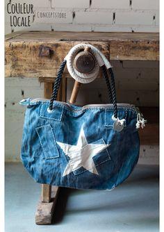 Ali Lamu - Weekendbag - small - Bags & baskets Jean Purses, Purses And Bags, Denim Shoulder Bags, Leather Shoulder Bag, Crochet Bag Tutorials, Hippy Chic, Patchwork Bags, Simple Bags, Denim Bag