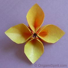 Origami Hollow-Petal Flower by Leyla Torres