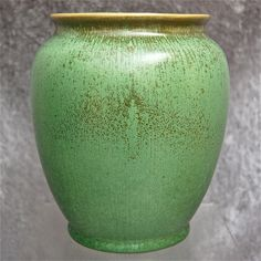 """Cowan Pottery Vase """"Antique Green"""" Glaze, Circa 1929 from thedevilduckcollection on Ruby Lane Pottery Vase, Ceramic Pottery, Pottery Studio, Vintage Pottery, Ceramic Clay, American Art, Glaze, Porcelain, Shapes"""