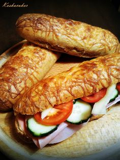Koskacukor: Sajtos stangli Hot Dog Buns, Hot Dogs, Canapes, Pain, Bakery, Food And Drink, Bread, Kitchen, Essen
