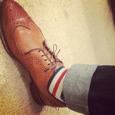 Allen Edmonds wingtip brogues, striped socks and premium denim jeans. Get marvelous saving discounts up to Off at Allen Edmonds with Coupons. Best Mens Fashion, Mens Fashion Shoes, Men's Fashion, Fasion, Brogues, Wingtip Shoes, Swag Style, Men's Style, Smart Casual Men