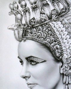 Headdress of Cleopatra played by Elizabeth Taylor