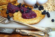 Hälsosamma grötpannkakor med nyttig blåbärssylt Waffles, Pancakes, Healthy Recepies, Food Cakes, Granola, Smoothies, Foodies, Nom Nom, Cake Recipes
