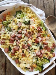 PASTAGRATENG – Mat Til Familien Norwegian Food, Pasta Salad, Casserole, Food Porn, Dinner Recipes, Food And Drink, Baking, Ethnic Recipes, Desserts