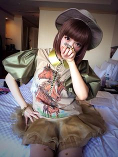 きゃりーぱみゅぱみゅ This is the outfit she wore to meet Katy Perry the first time, I think. Japanese Models, Japanese Artists, Japanese Fashion, Kyary Pamyu Pamyu, Singer Fashion, Pop Singers, Girls Club, Business Women, Kawaii