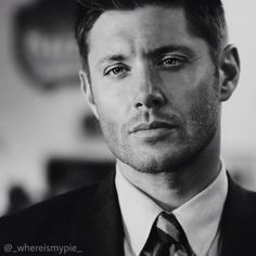 Oh my god.. Jensen ackles is so Perfect