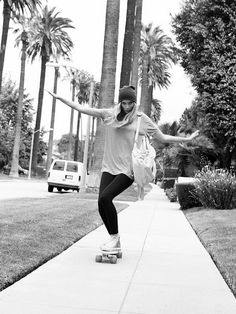 skate-girlz: Skate Girl - What a wonderful world Surfboard Skateboard, Skate Street, Skate Girl, Longboarding, What A Wonderful World, Skateboards, Girls Be Like, Hippie Style, Wonders Of The World