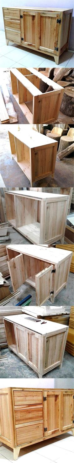 DIY Pallet Wood Entryway Table with Drawers