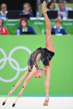 Yana KUDRYATSEVA (Russia) ~ Clubs - SILVER MEDAL @ Olympic Games São Paulo-Brazil 2016 Photographer Oleg Naumov. Rhythmic Gymnastics Training, Gymnastics Moves, Gymnastics Flexibility, Amazing Gymnastics, Acrobatic Gymnastics, Gymnastics Pictures, Sport Gymnastics, Artistic Gymnastics, Rhythmic Gymnastics Leotards