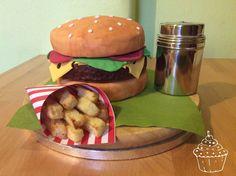 Hamburger mit Kuchen-Pommes