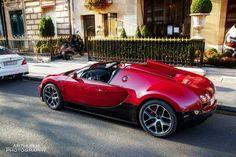 red Bugatti Veyron VITESSE