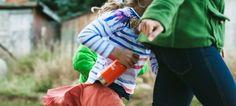 Trekking, picnic, gite e montagna con i bambini: cosa portare? Ce lo dice Bimbiallaria http://www.babygreen.it/2017/05/bambini-montagna-viaggi-trekking-gita-cosa-portare/?utm_campaign=coschedule&utm_source=pinterest&utm_medium=BabyGreen&utm_content=Trekking%2C%20picnic%2C%20gite%20e%20montagna%20con%20i%20bambini%3A%20cosa%20portare%3F%20Ce%20lo%20dice%20Bimbiallaria