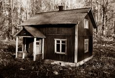 Dollhouse scale 1:18 Scale, Shed, Outdoor Structures, Cabin, House Styles, Pictures, Home Decor, Weighing Scale, Photos