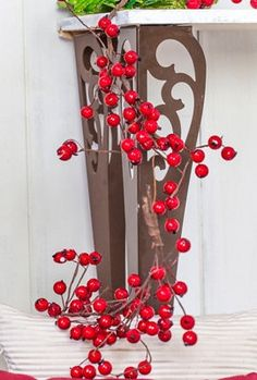 Ladder Decor, Wreaths, Home Decor, Products, Berries, Christmas Decor, Bulbs, Create, Red