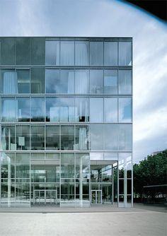 Sanaa - Fabrikstrasse 4 at the Novartis campus, Basel 2006. Via, 2, photos © Christian Richters, Paolo Rosselli, Hisao Suzuki.