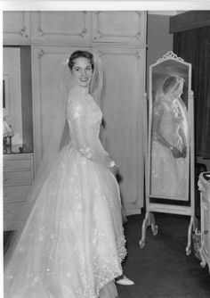 Chic Vintage Bride – Julie Andrews -Tony Walton, in the wedding dress for her first marriage, 1959 Celebrity Wedding Photos, Vintage Wedding Photos, Vintage Bridal, Celebrity Weddings, Vintage Weddings, Julie Andrews, Famous Wedding Dresses, Modest Wedding Dresses, Bridesmaid Dresses