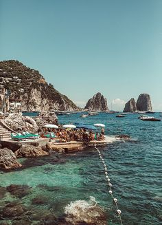 A Day in Capri – Best Travel Destinations Places To Travel, Places To See, Travel Destinations, Europa Tour, Fuerza Natural, Voyage Europe, Destination Voyage, Travel Aesthetic, Summer Aesthetic