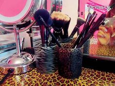 Use cute girly cups to have makeup storage !