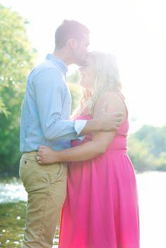 Engagement photo pose #kallidoscopephotography