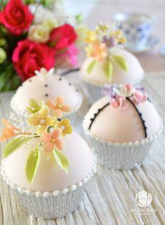 Keepsake Corsage Cupcakes - CakesDecor