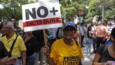 Arde Venezuela: El chavismo empieza a tener fracturas y los manifestantes toman la calle.