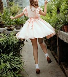 Round Neck Short Lotus Leaf Sleeved Pink Chiffon Dress