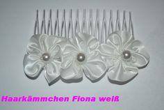 Haarkämmchen mit Blüten weiß von fashion-dekoatelier auf DaWanda.com