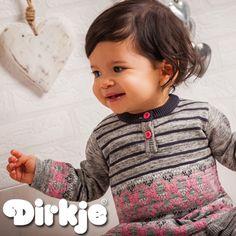 In dit warme jurkje is deze meid er helemaal klaar voor. Bekijk hem in de Dirkje wintercollectie 2016/2017♥ #dirkje #babykleding #wintercollectie #roze #dirkjebabywear #meisje #grijs #jurk