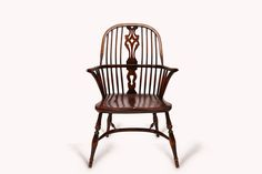 Farmhouse#8.1_Pic1  Antiker Farmhouse Chair mit Armlehnen. Sitzhöhe 44cm.