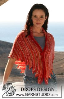 """DROPS knitted shawl in """"Fabel"""" with crochet border and button covers in """"Alpaca"""". ~ DROPS Design"""