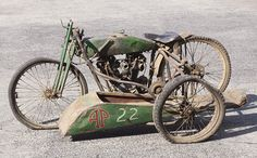 A FHA V-Twin racer, complete with sidecar, has made motorcycle auction history in Australia Vintage Harley Davidson, Harley Davidson Sidecar, Harley Davidson Motorcycles, Harley Bobber, Bobber Motorcycle, Racing Motorcycles, Vintage Bikes, Vintage Motorcycles, Indian Motorcycles