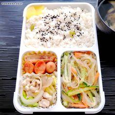 真アジ様は私が1匹頂いてしまったので(いつもは半分)、ストックおかずで穴埋め。 #obento #japanesefood #お弁当 #お昼ごはん #昭和弁当 #フードマン600