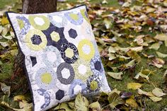pinwheel? star? quilted pillow