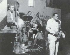 La foto del cuarto de trabajo de DeLillo: Monk, Haynes, Mingus y Charlie Parker, 1953  #Jazz