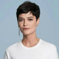 Short Pixie Haircuts for Stylish Women Short Pixie Haircut f. - Short Pixie Haircuts for Stylish Women Short Pixie Haircut for Fine Straight Ha - Haircuts Straight Hair, Short Straight Hair, Short Pixie Haircuts, Short Hairstyles For Women, Hairstyles Haircuts, Haircut Short, Poxie Haircut, Chic Short Hair, Trendy Hairstyles