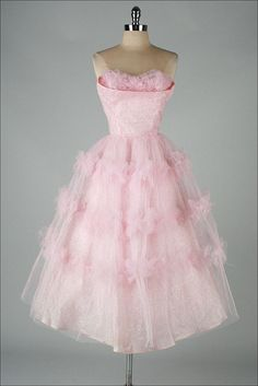 vintage 1950s dress/I would call this The Cotton Candy dress...so sweet;)