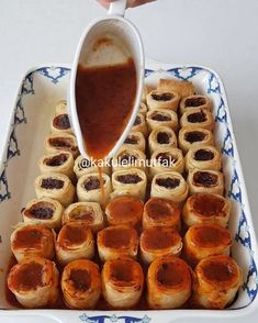 Tepsi Mantısı Tarifi Best Picture For easter poster For Your Taste You are looking for something, and it is going to tell you exactly what. Easter Appetizers, Ravioli Recipe, Tasty, Yummy Food, Easter Dinner, Turkish Recipes, How To Eat Less, Bakery, Food And Drink
