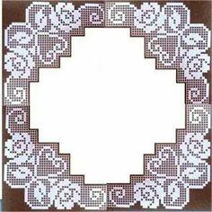 The Roses in Filet Crochet Are Filet Crochet Charts, Crochet Doily Patterns, Crochet Borders, Crochet Designs, Crochet Dollies, Crochet Lace, Fillet Crochet, Crochet Tablecloth, Lace Knitting