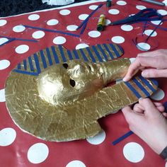 Make an Ancient Egyptian death mask