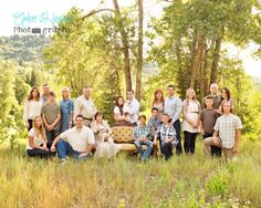 large group photography - anybody have an old couch? Ideas for when the entire family is home for the wedding