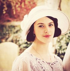 when you're missing Downton Abbey.Sybil love her and Branson. Theirs was a true love and romance. Jessica Brown Findlay, Downton Abbey Series, Lady Sybil, Dowager Countess, Downton Abbey Fashion, Tv, Daughter, Sybil Downton, Actors