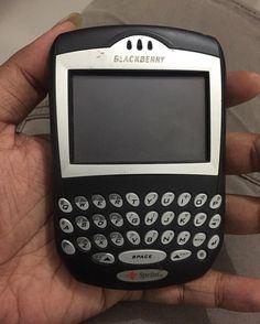 #inst10 #ReGram @iblackxgadget: Hanya pemanis...dulu pernah merajai...Blackberry 7250 #history #blackberry #blackberryclub @blackberryclubs #BlackBerryClubs #BlackBerryPhotos #BBer #RIM #QWERTY #Keyboard #OldBlackBerry