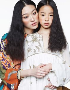 Choi Sora by Kim Young Jun for Elle Korea May 2015 Mother Daughter Photos, Mother Daughter Fashion, Mom Daughter, Mother And Child, Asian Fashion, Kids Fashion, Beauty Shoot, Mode Editorials, Korean Model