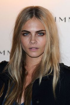 In September of that year, she traded her heavy liner for a bronze smoky eye with dense, heavy mascara. Friday night beauty inspo? Yes, please.  #refinery29 http://www.refinery29.com/2016/08/118260/cara-delevingne-beauty-looks#slide-3