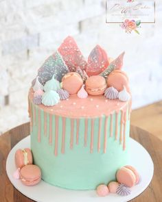 A pretty drip cake for a pretty little girls birthday over the weekend 🎉 Topped with homemade macarons, meringues and chocolate bark Little Girl Birthday Cakes, 14th Birthday Cakes, Bithday Cake, Birthday Cakes For Teens, Little Girl Cakes, Pretty Birthday Cakes, Geek Birthday, Birthday Ideas, Homemade Macarons